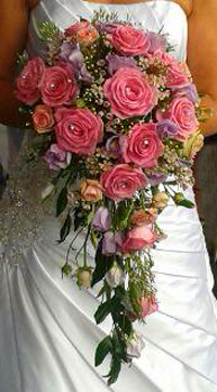 Pink rose bride bouqet